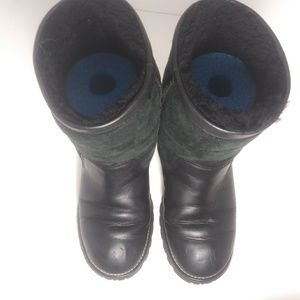 UGG Shoes - UGG Black Suede & Leather Boots # 5381 Size 8